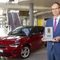 "Nuova Opel Corsa vince il ""Connected Car Award"""